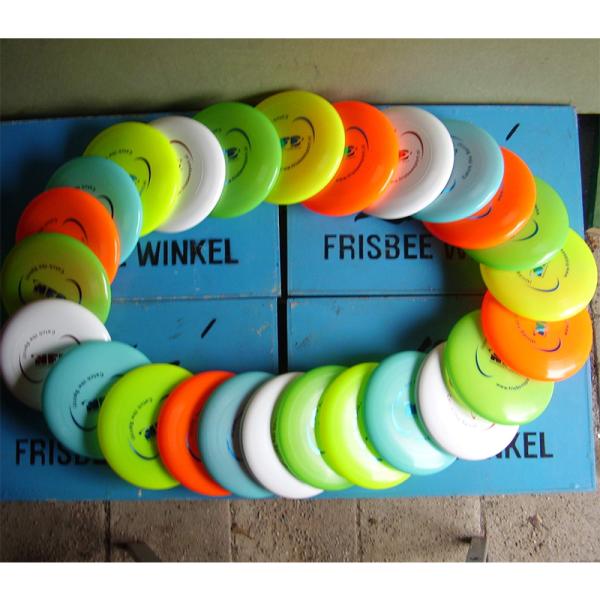 Frisbeewinkel - 25 Frisbees voor middelbare scholen